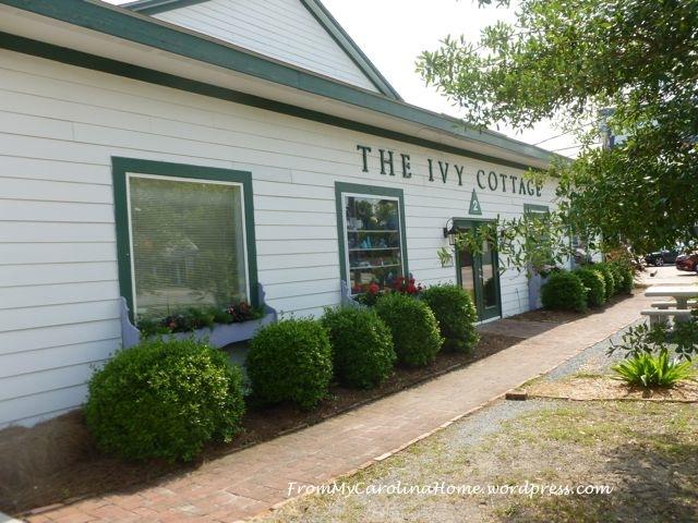 Ivy Cottages 1