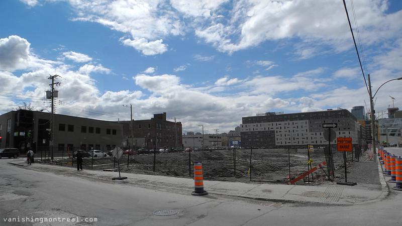 Big empty construction site on Ottawa and Eleanor 1