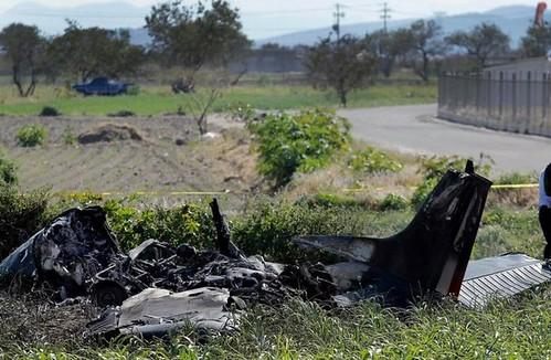 Cinco muertos por desplome de avioneta en la México-Querétaro
