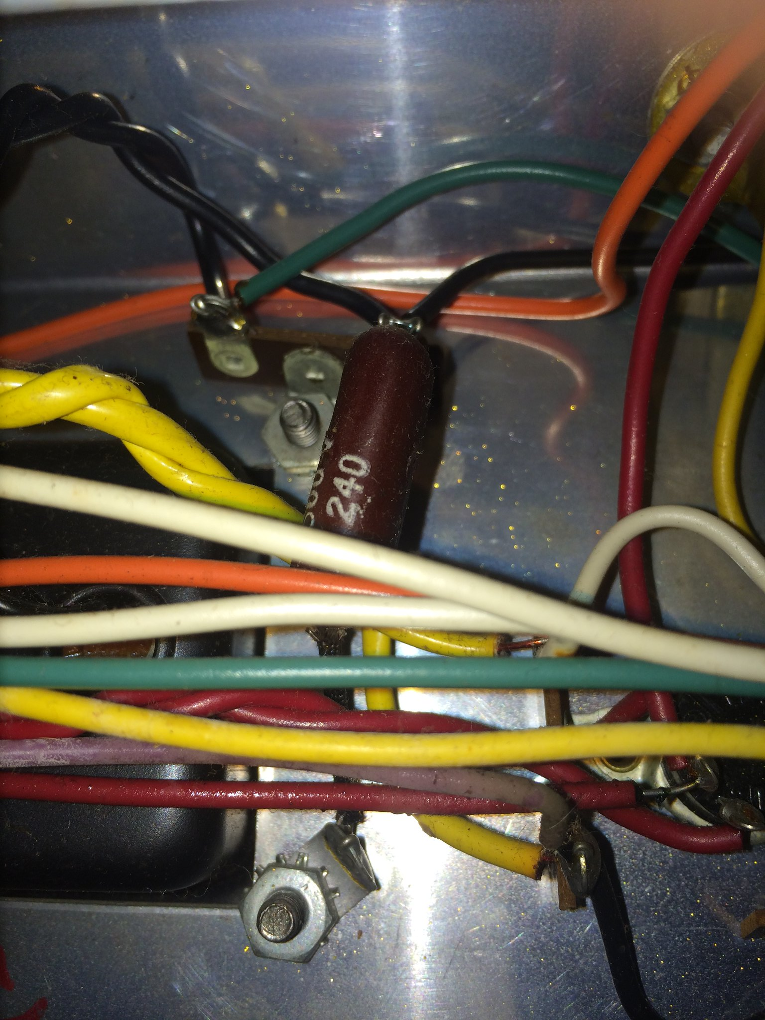 Death Cap On Airline 62 9013a The Gear Page Guitar Wiring Diagram Green Wire Strip Is Coming From Switch And Black Right Fuse This A