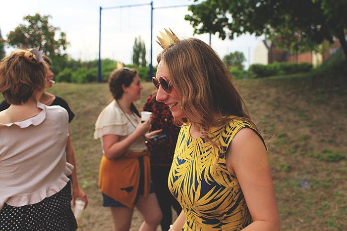 JGA in Berlin mit Goldkrönchen