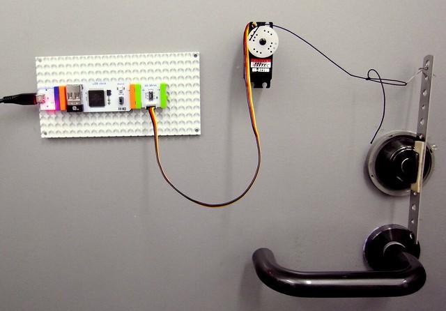 cloudBit+door