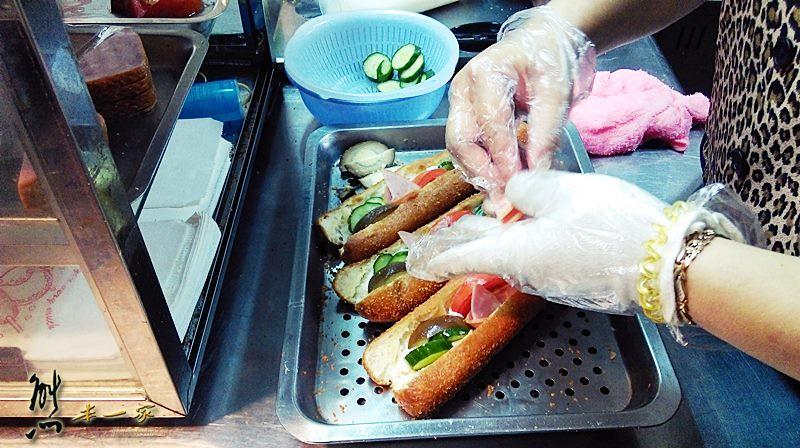 愛國路口基隆營養三明治|三峽東山鴨頭