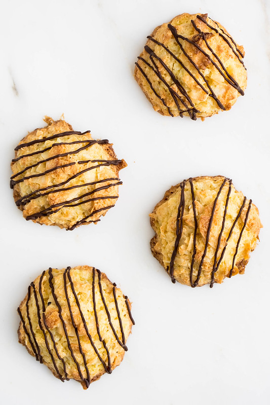 Coconut Macaroons | cookingalamel.com