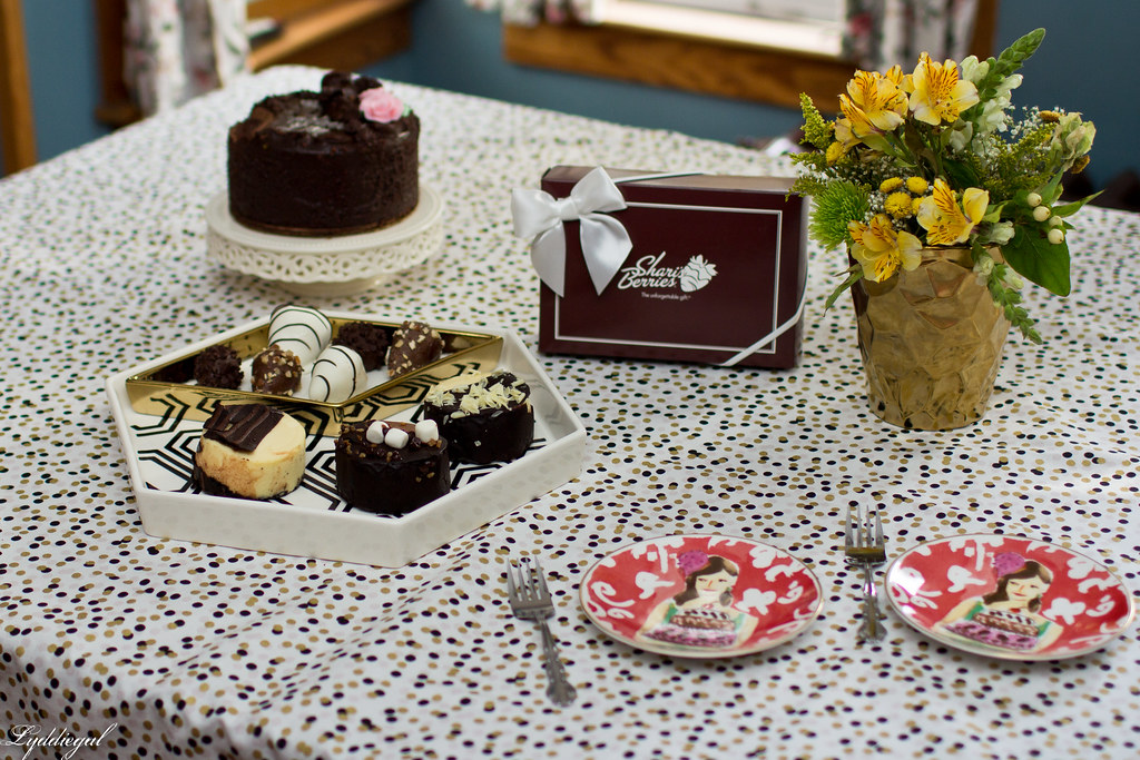 sharis berries-1.jpg