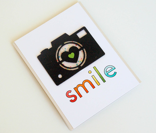 Jennifer Kinney_camera smile02