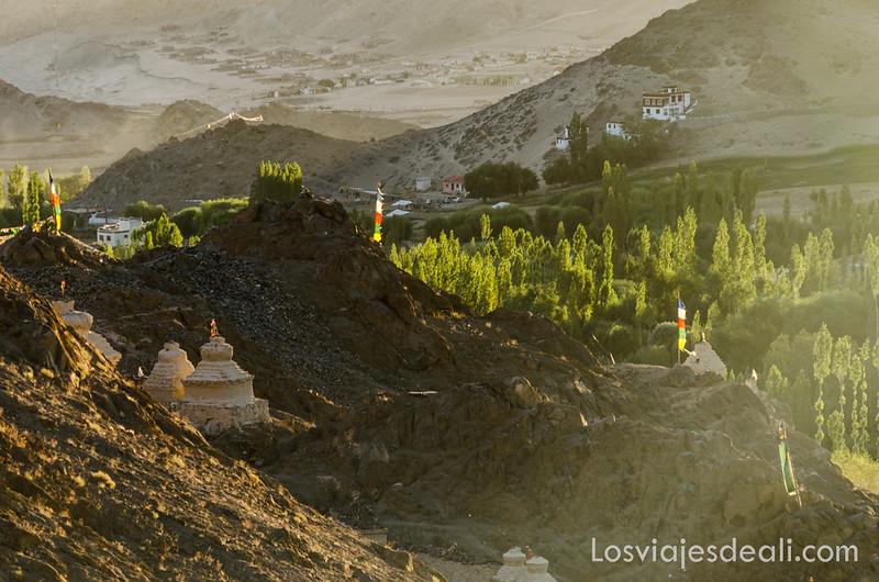 trekking cerca de Leh puesta de sol en Saboo