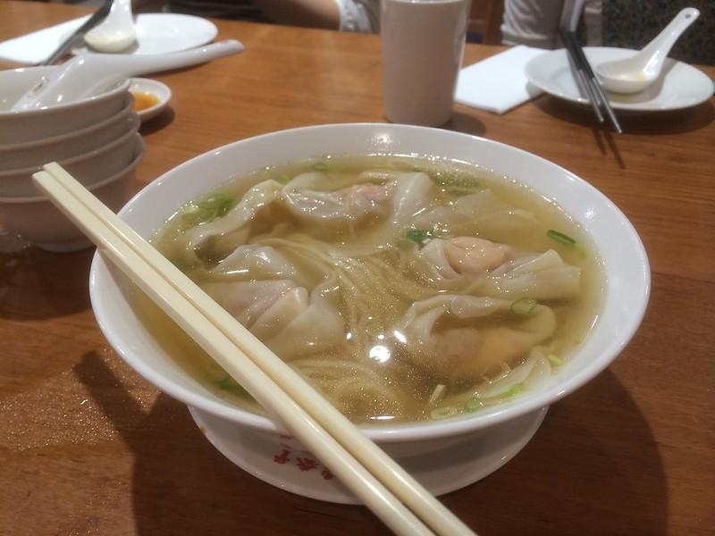 鼎泰豐 エビと豚肉入りワンタン麺
