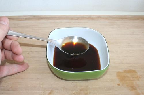 18 - Sesamöl & Teriyakisauce in Schüssel geben / Put sesame oil & teriyaki sauce in bowl