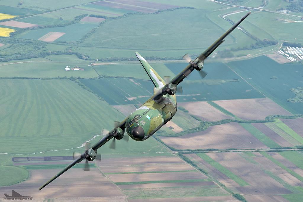 RoAF C130 Hercules in zbor 17562407181_361388180e_b