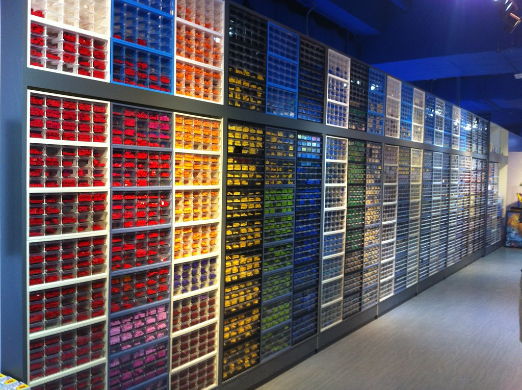 Lego storage awesomeness | It all looks so neat and tidy