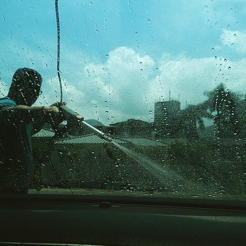 20150517 某人一過了蘇花立馬洗車  #萬能的戴門