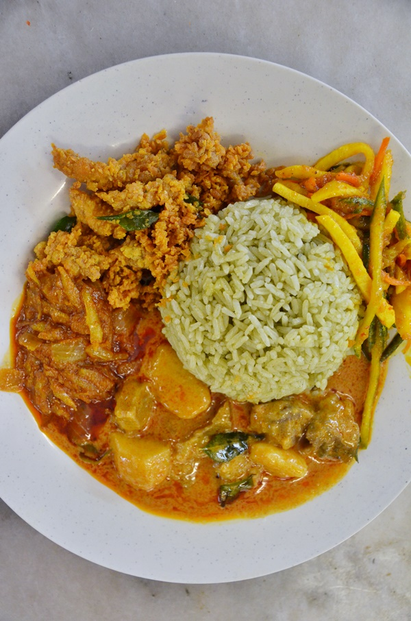 Nasi Pandan with Mantis Prawns and Curry Mutton