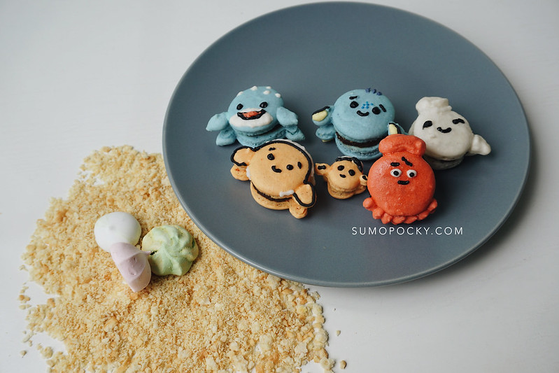 Finding Dory Macarons