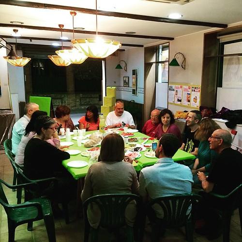 Al sopar previ a l'enganxada de cartells de l'inici de campanya #ViuGelida! #Municipals #24M #Gelida #Penedès