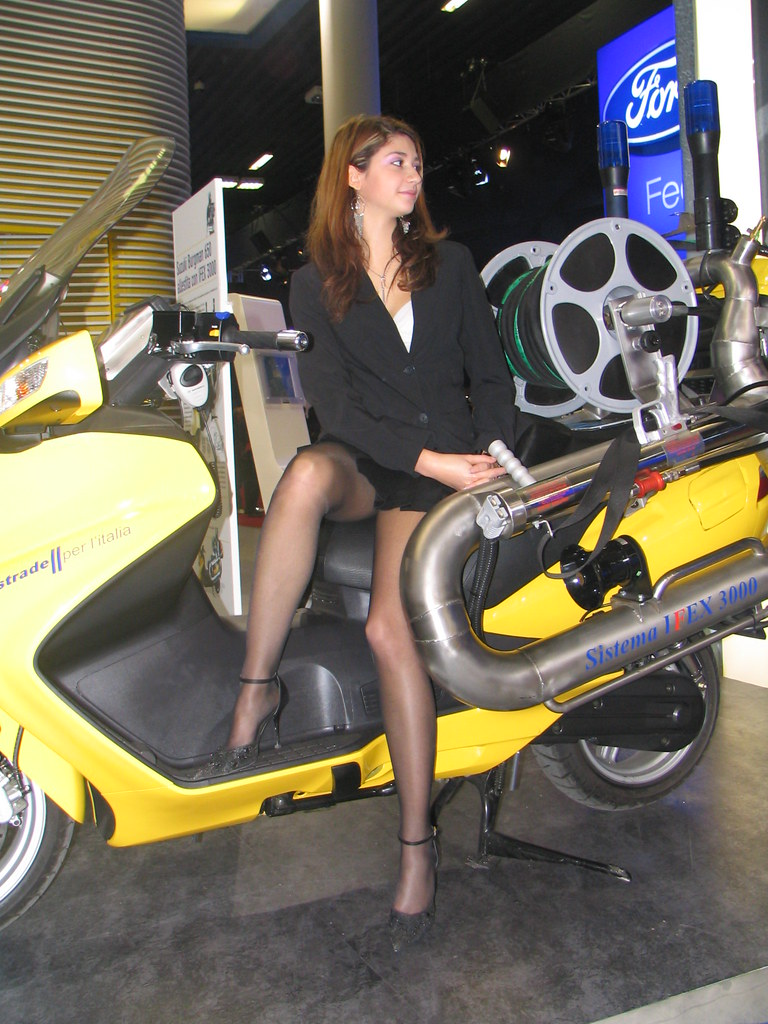 All Car Company >> motorshow girl | themax2 | Flickr