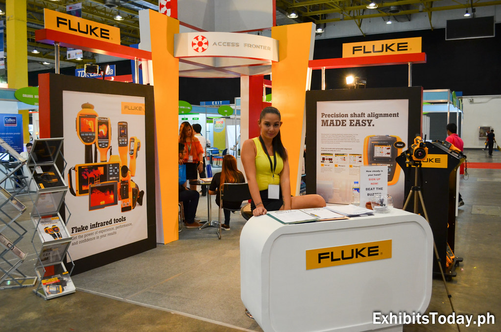 Fluke Exhibit Stand