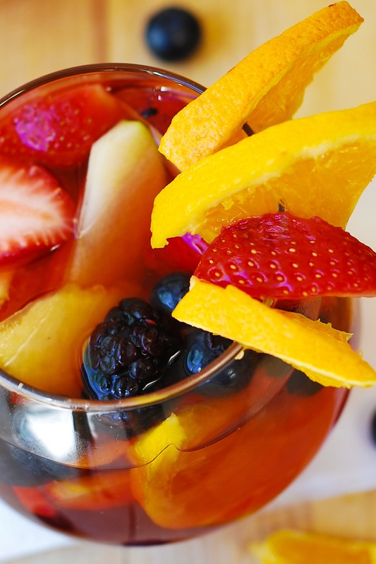 easy sangria recipe, red wine sangria recipe, red wine for sangria, how to make sangria with fruit