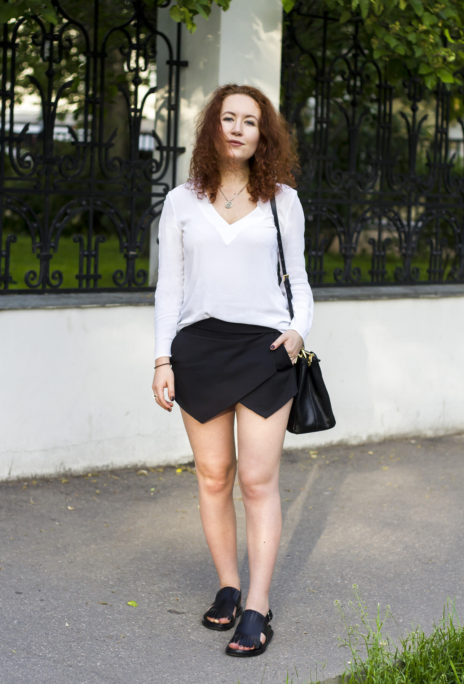 enn franco says fashion blog outfit zara blouse zara shorts prada bag marni sandals chopard necklace