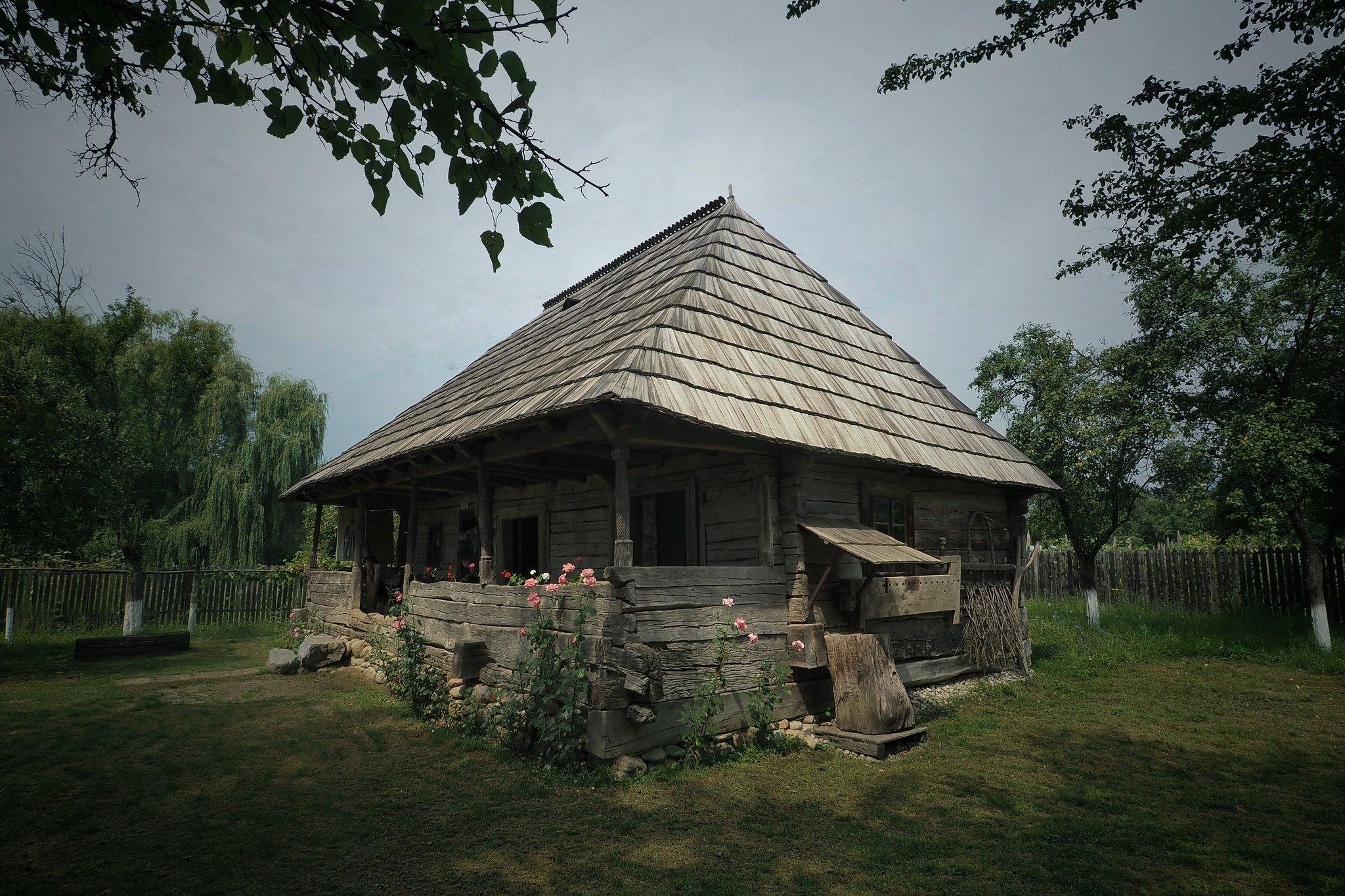 Hobița - Casa Memorială Constantin Brâncuși (Romanian Cottage)