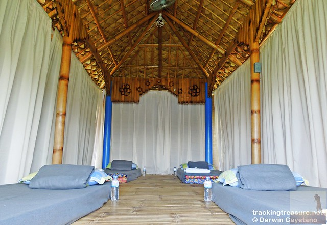 6 Caliraya Mountain Spring Marina Resort Nipa Huts Bed
