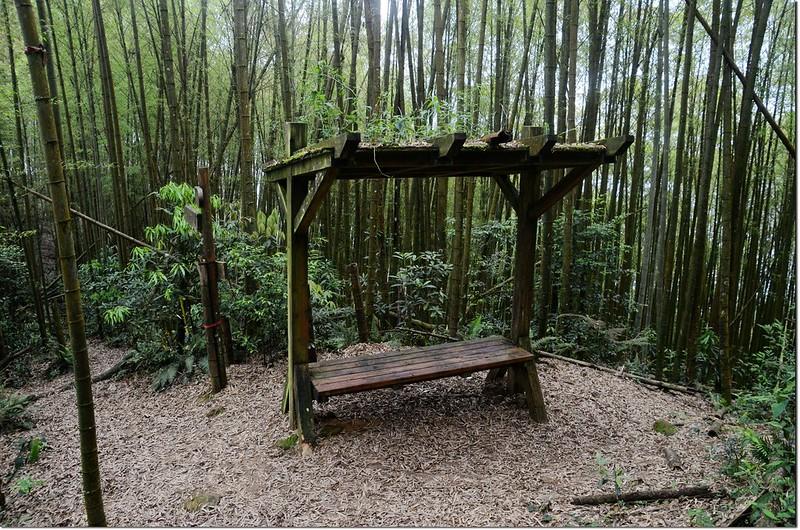 鳳凰山稜線休息涼亭 2