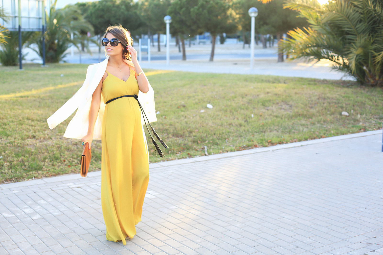 seams-for-a-desire-jessie-chanes-pregnant-outfit-mustard-long-jumpsuit-tous-jewels_3