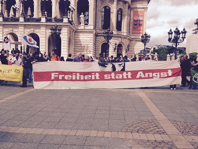 """""""Die Freiheit stirbt mit Sicherheit""""-Demonstration"""