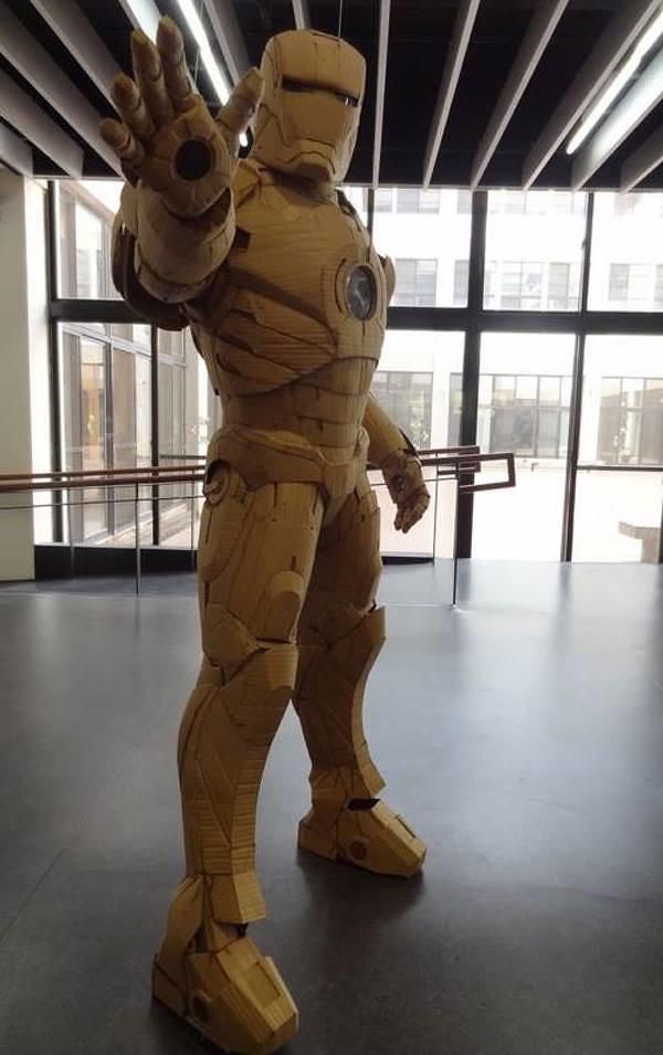 Cardboard Iron-Man by 鍾凱翔 Kai-Xiang Xhong