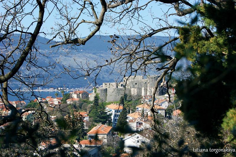 Вид на крепость Канли Кула