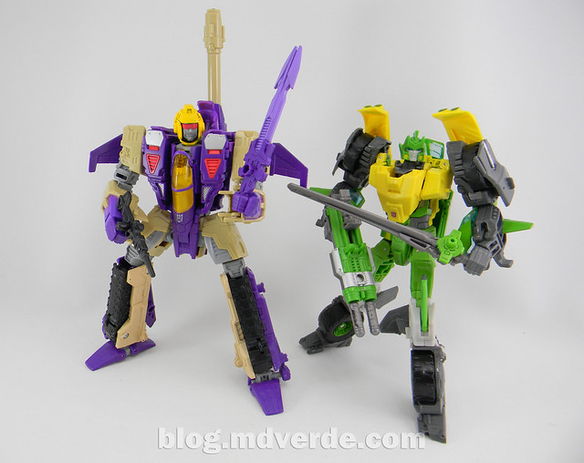 Transformers Blitzwing Voyager - Generations - modo robot vs Springer