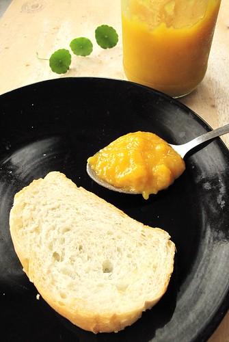 027 汤种面包 和芒果果酱 - tangzhong bread and mango jam