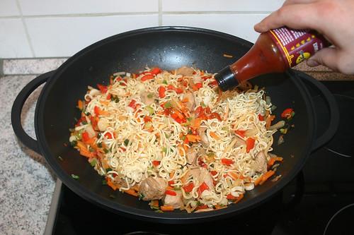 53 - Chili-Sauce hinzufügen / Add chili sauce