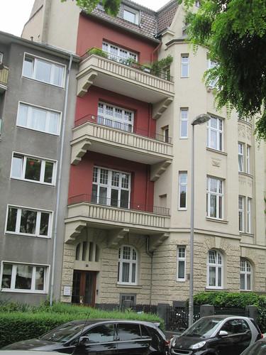 Hier in der Volksgartenstrasse 17 hab ich gewohnt, im 2. Stock (1)