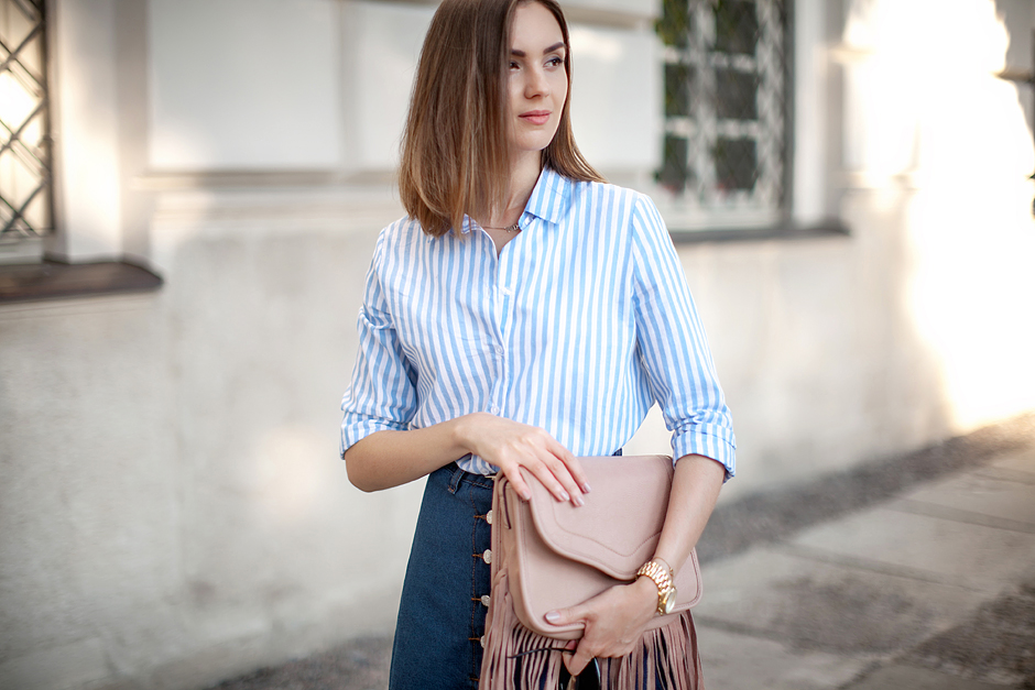 pinstripe-blue-shirt-outfit-ideas-streetstyle