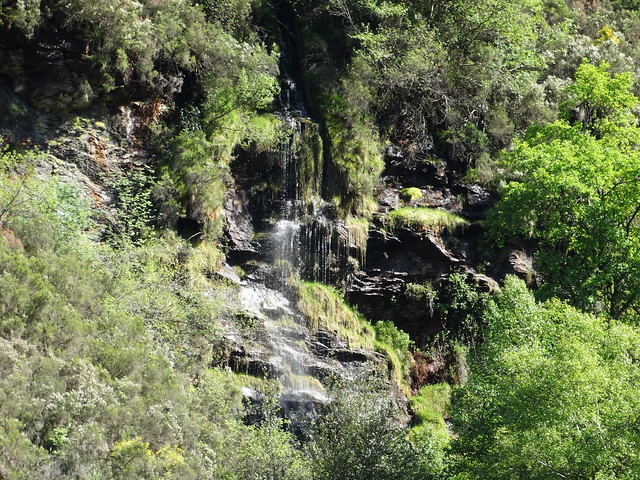 Cascada en la ruta do Ferro de O Incio