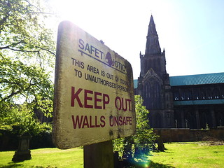 Glasgow Cathedral KEEP OUT (1)