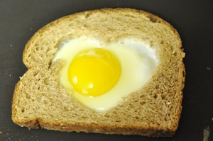 Heart-Shaped Egg and Toast Breakfast (Photo from Motherhood on a Dime)
