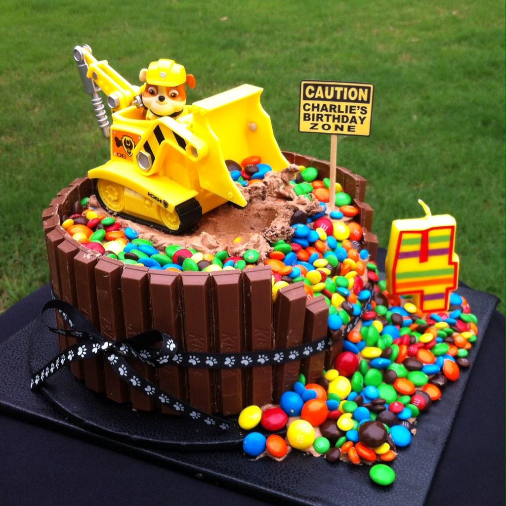 PAW PATROL 'RUBBLE' BIRTHDAY CAKE | Charlie's 4th Birthday ...