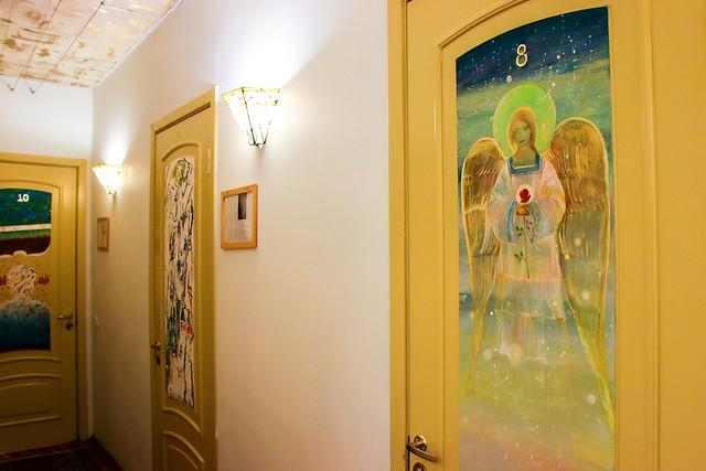 Lovely painted room doors in the hotel, Saint Petersburg, Russia サンクトペテルブルク、アートホテル・ラフマニノフのペイントされたドアたち