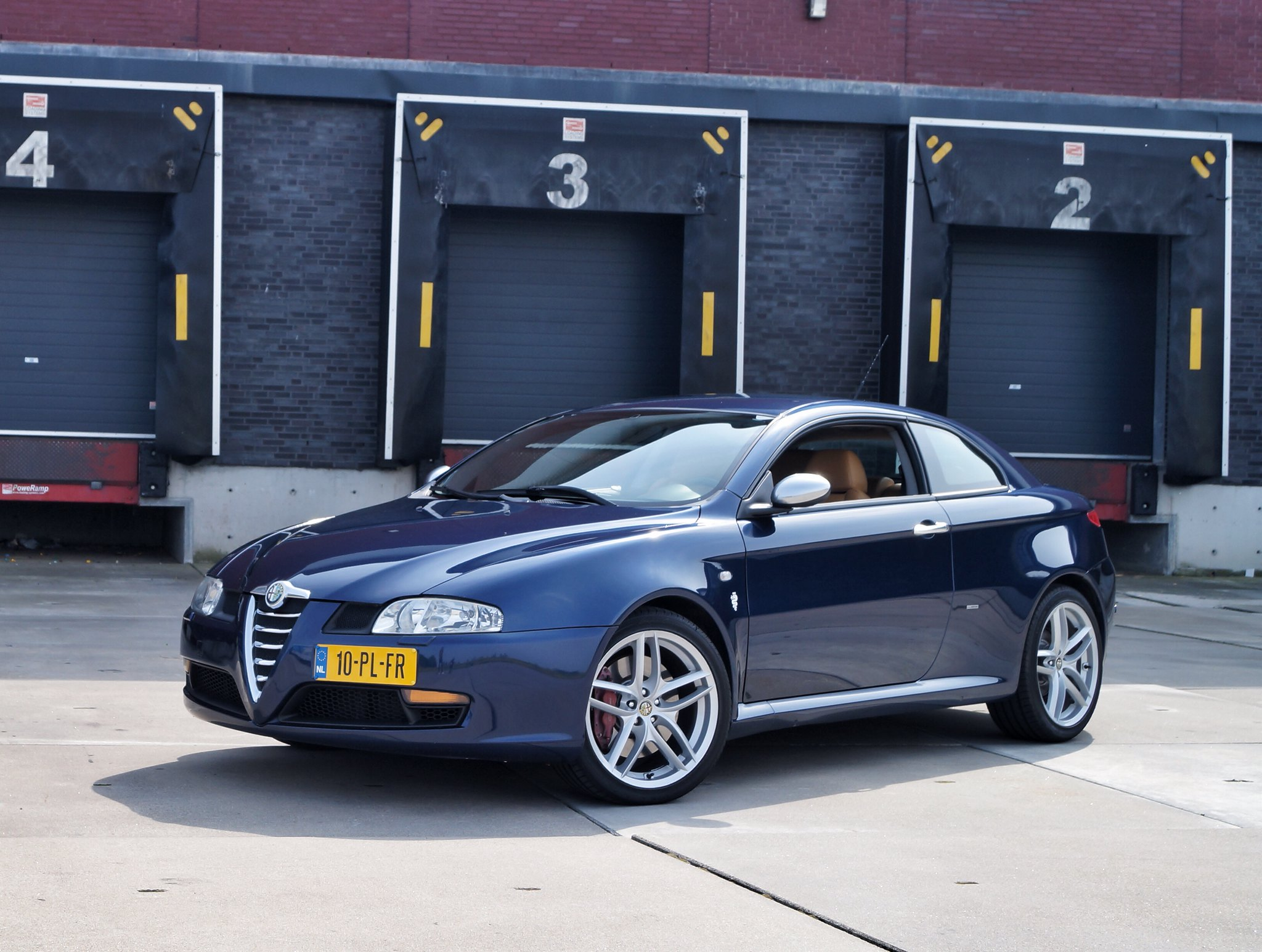 alfa gt 3 2 v6 stichting club alfa romeo bezitters. Black Bedroom Furniture Sets. Home Design Ideas