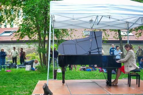 Sofiia Chaikina suona per il #PianoCity