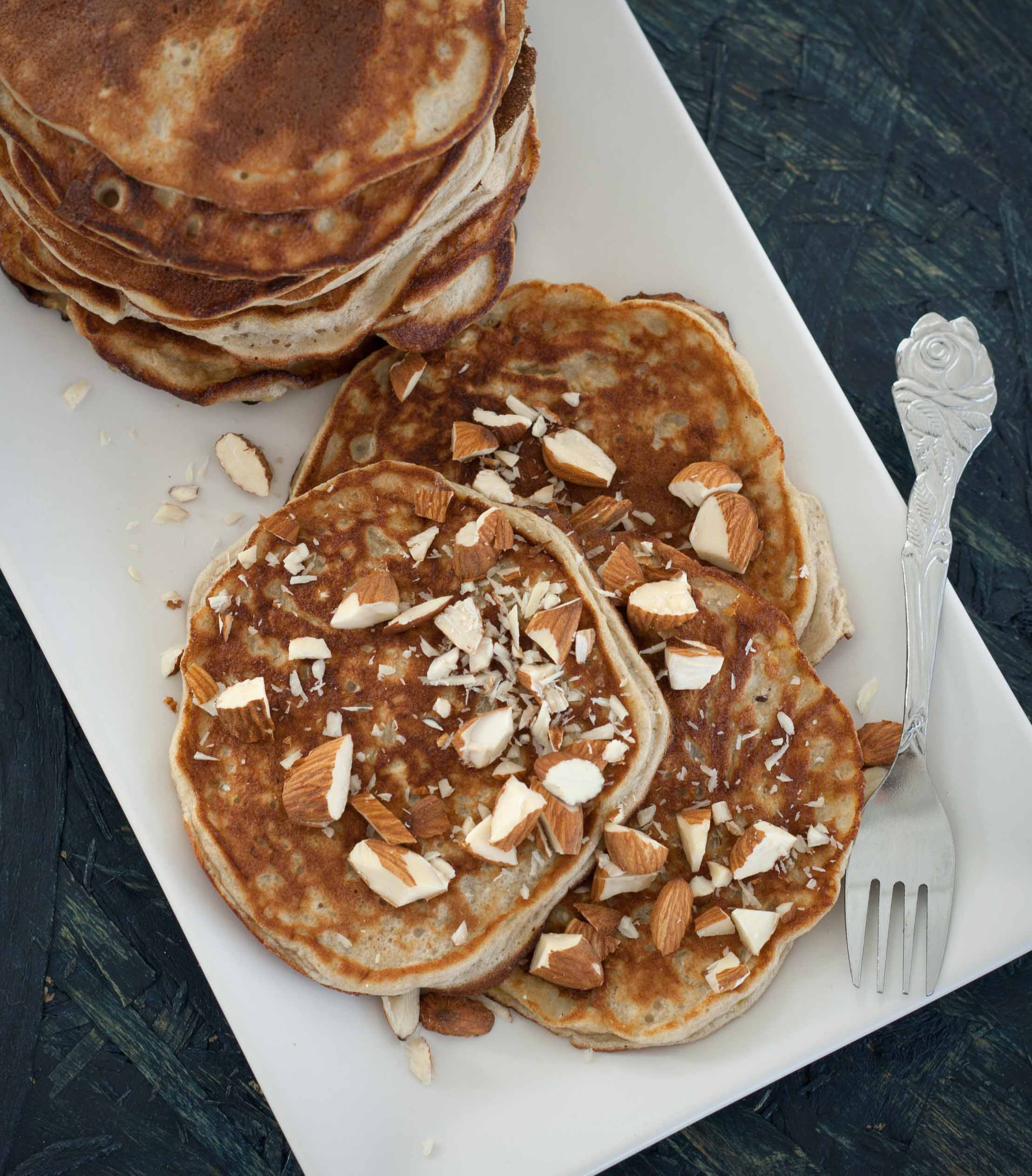 Healthy and easy homemade banana pancakes