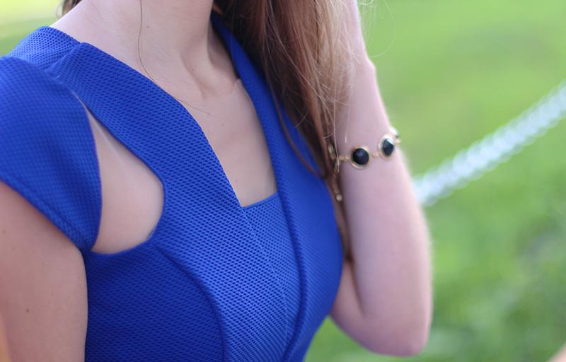08-look com vestido azul bic com transparência jana taffarel blog sempre glamour