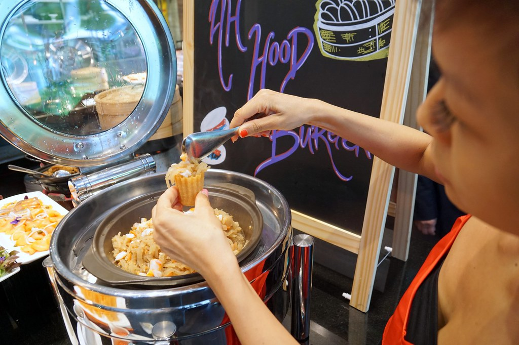 buffet breakfast, lunch, dinner - Flavours, Ramada Singapore-009
