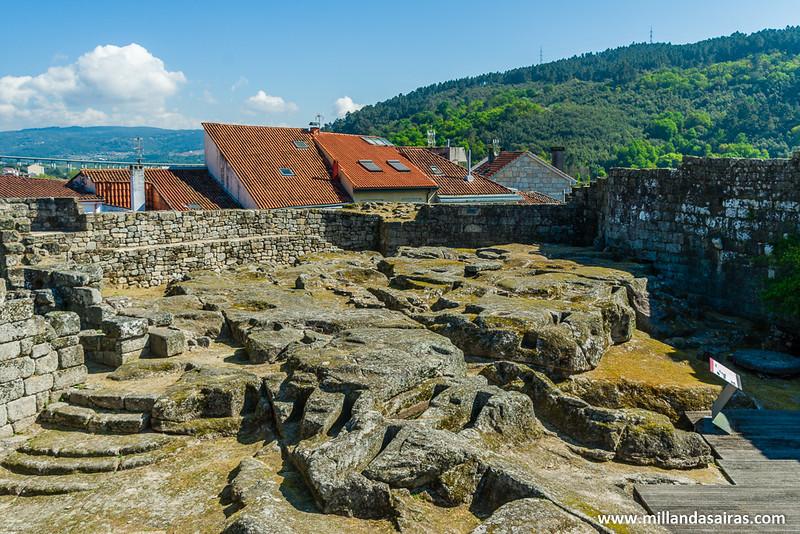 Centro del Castillo y necrópolis