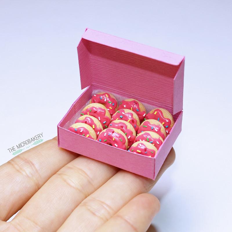 Donuts3-(W)