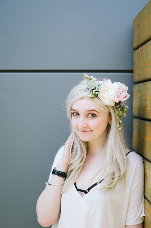DIY Flower Crowns on juliettelaura.blogspot.com