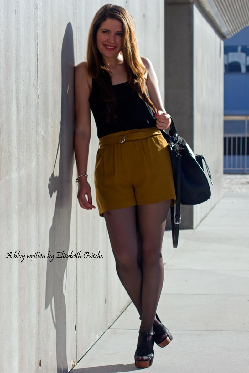 shorts mostazas ZARA HEELSANDROSES (1)