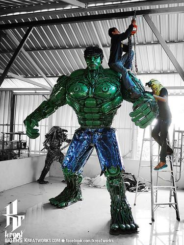 Dieselpunk recycled metal statues by Kreatworks - Incredible Hulk